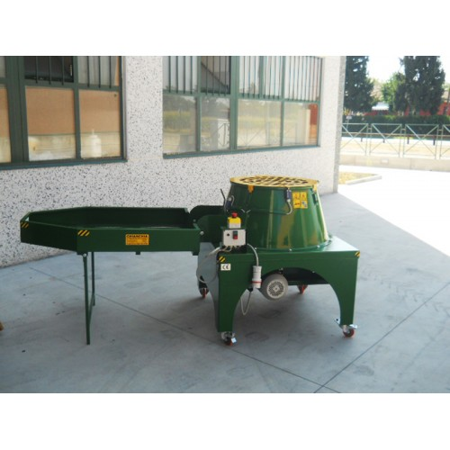 Mашина за отстраняване на зелената обвивка на орехи CHIANCHIA